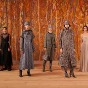 Dior redéfinit l'étoffe du luxe dans un defilé haute couture bien réel