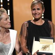 En photos, les larmes de Julia Ducournau, le baiser de Jean Dujardin, la compagne de Nicolas Bedos : la clôture du Festival de Cannes