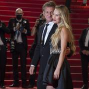 Sean Penn avec sa fille Dylan, un père gonflé de fierté en haut des marches de Cannes