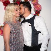 Perruques, champagne et karaoke : la folle nuit de Orlando Bloom et Katy Perry à Capri