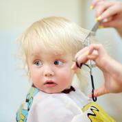 Cinq règles à suivre lors du premier rendez-vous chez le coiffeur de son enfant