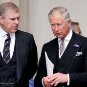 Affaire Jeffrey Epstein : le prince Charles estime que le prince Andrew ne doit pas revenir à la vie publique