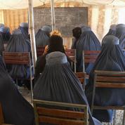 Classes non-mixtes, port du niqab : les étudiantes afghanes autorisées à retourner à l'université sous plusieurs conditions
