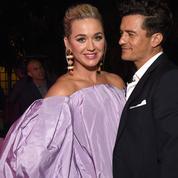 En vidéo : ce gracieux moment où Orlando Bloom desserre la robe de Katy Perry pour qu'elle puisse chanter