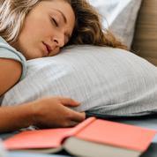 Pourquoi a-t-on parfois l'impression de tomber dans le vide en s'endormant?