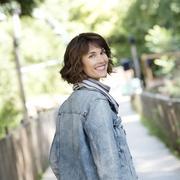 """Églantine Émeyé : """"Je passe ma vie à interpréter ce qu'il y a dans la tête de mon fils autiste"""""""