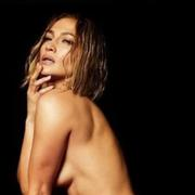 Sa bague de fiançailles et rien d'autre... Jennifer Lopez nue en couverture de son nouveau single