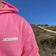 La collection toute rose de Jacquemus démarre à 35 euros