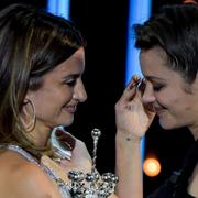 """""""Mon amour"""" : Penélope Cruz essuie les larmes de Marion Cotillard au Festival de Saint-Sébastien"""