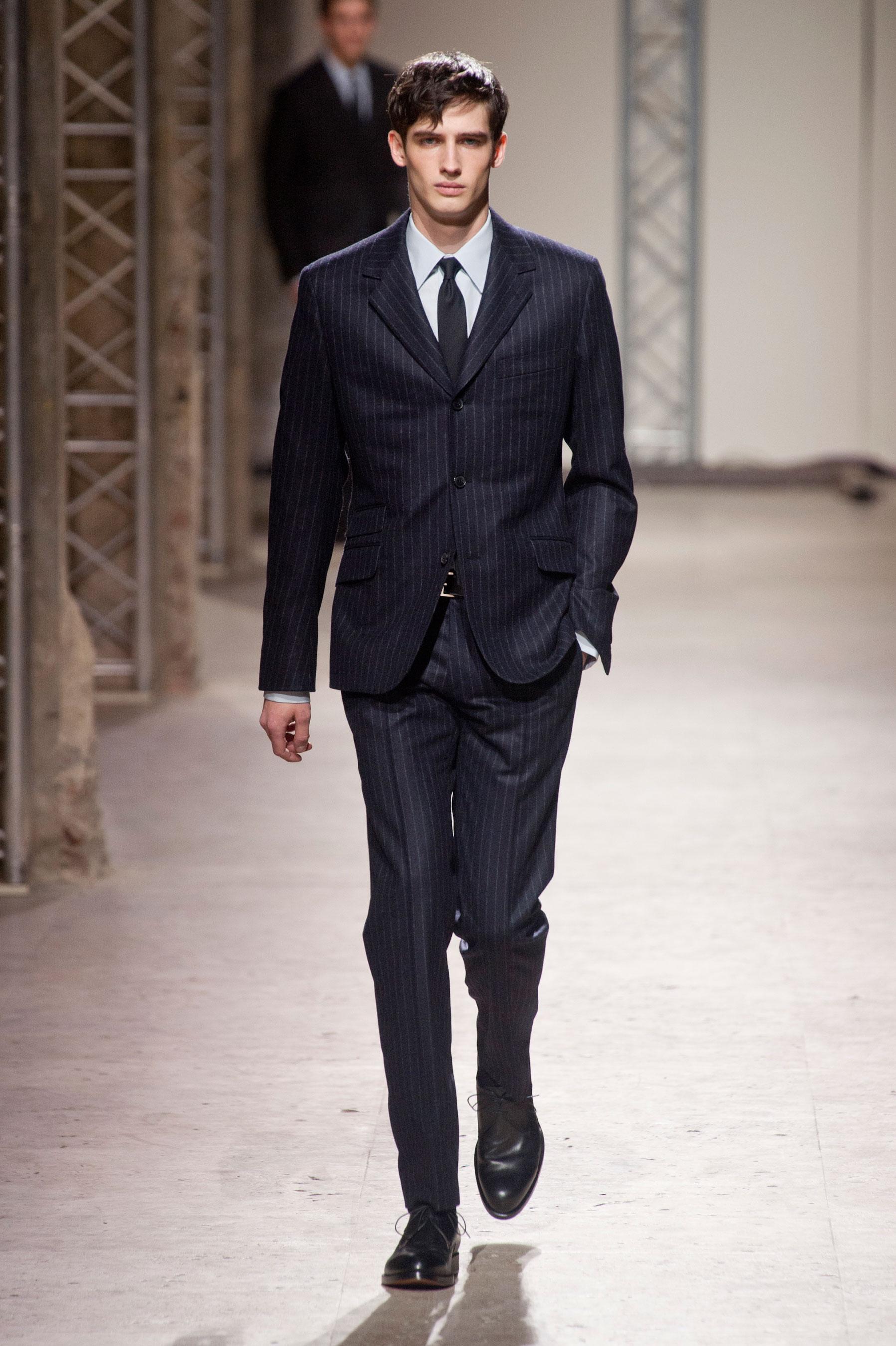 3331acb6a00 ... 12 · Défilé Hermès Homme Automne-hiver 2014-2015 photo 13 ...