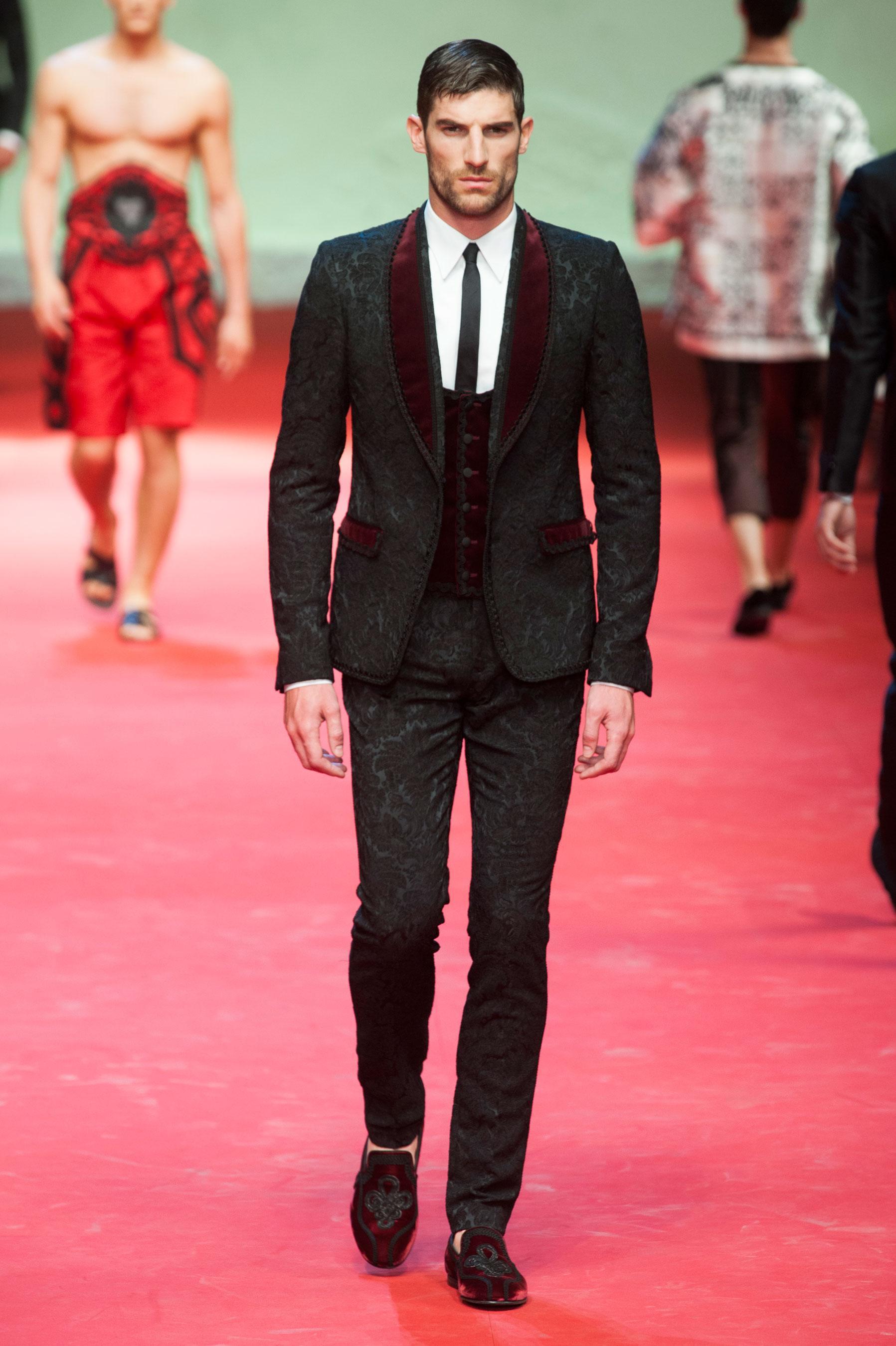 47c30b3b0a ... Défilé Dolce & Gabbana Homme Printemps-été 2015 photo 14 ...