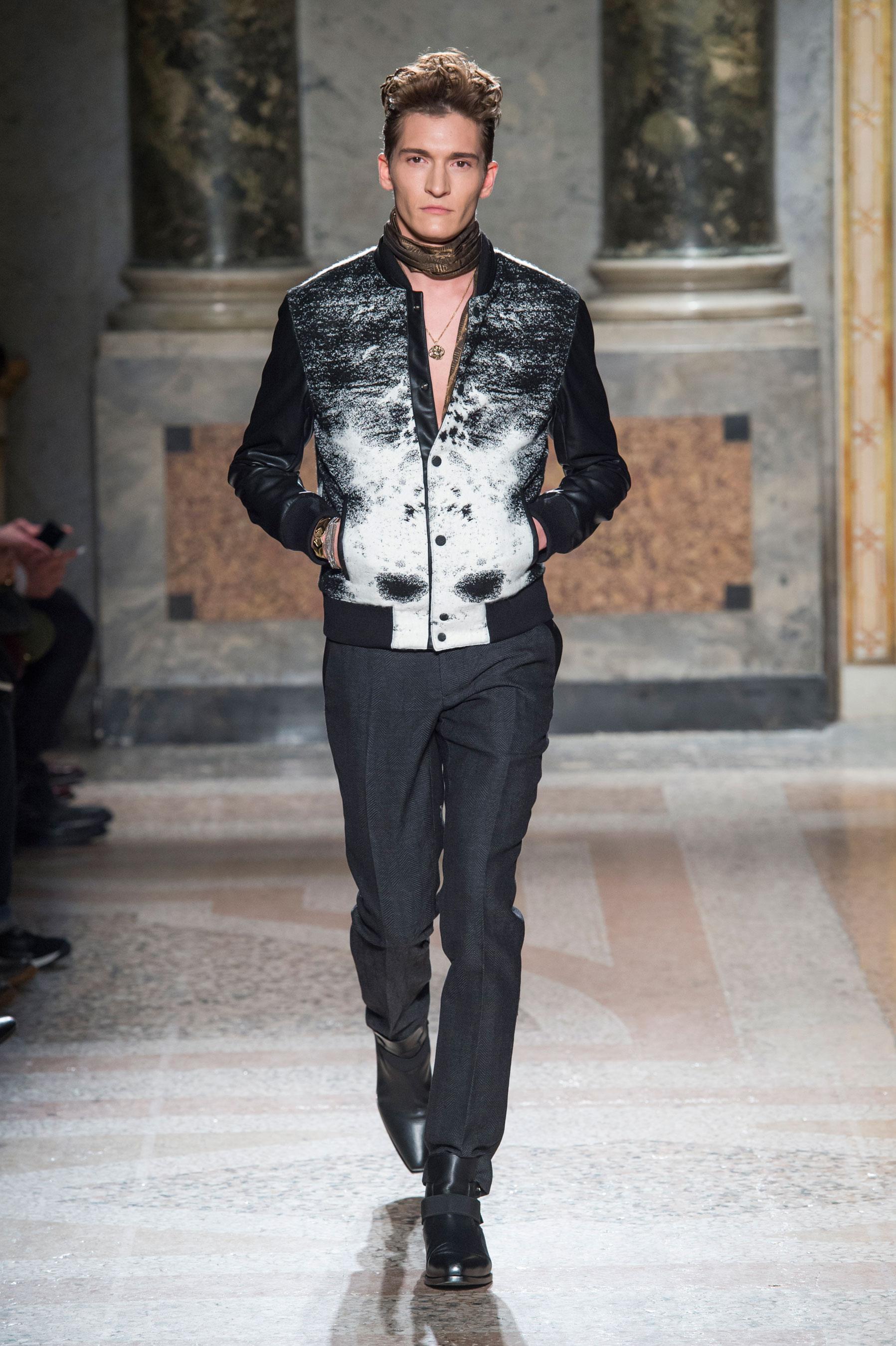 4fd2bf82eda Défilé Roberto Cavalli Automne-hiver 2015-2016 Homme - Madame Figaro