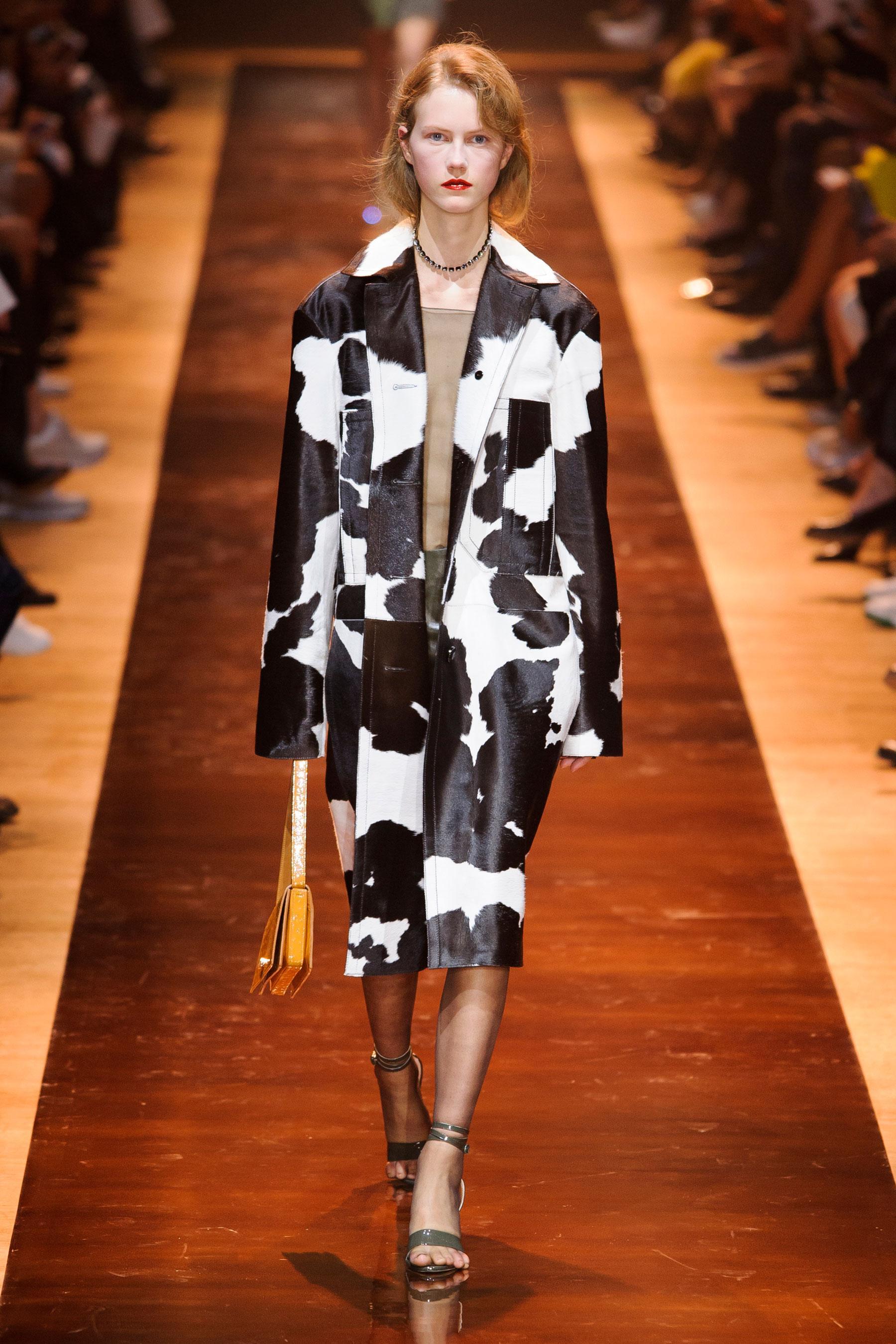 8ba7d17e6a Défilé Nina Ricci Printemps-été 2016 Prêt-à-porter - Madame Figaro