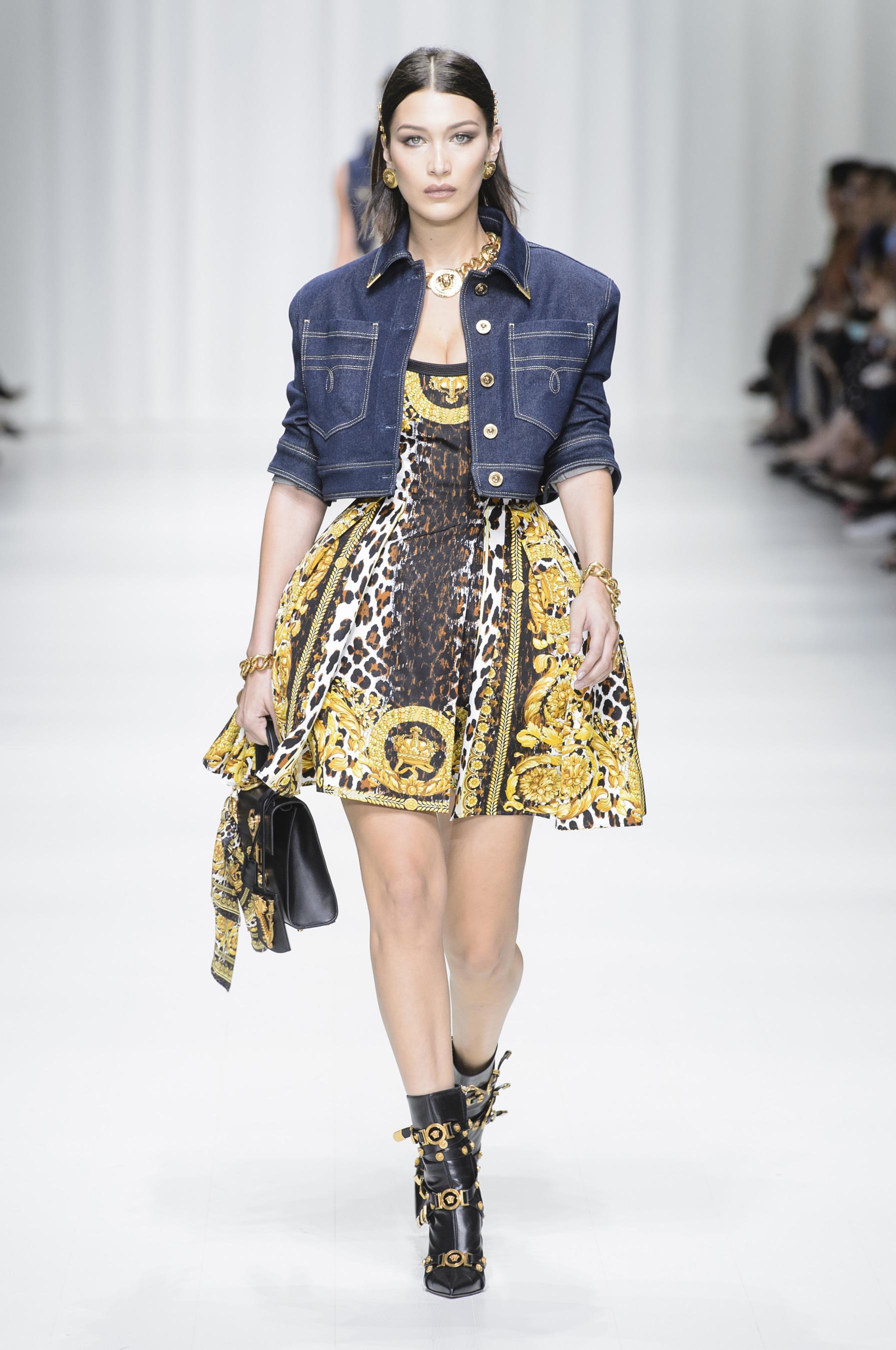 966ca46b9d Défilé Versace printemps-été 2018 Prêt-à-porter - Madame Figaro
