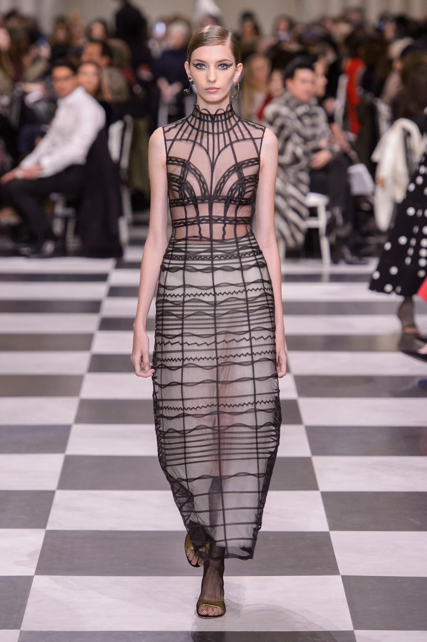 a85731f3a22 Défilé Christian Dior printemps-été 2018 Couture - Madame Figaro