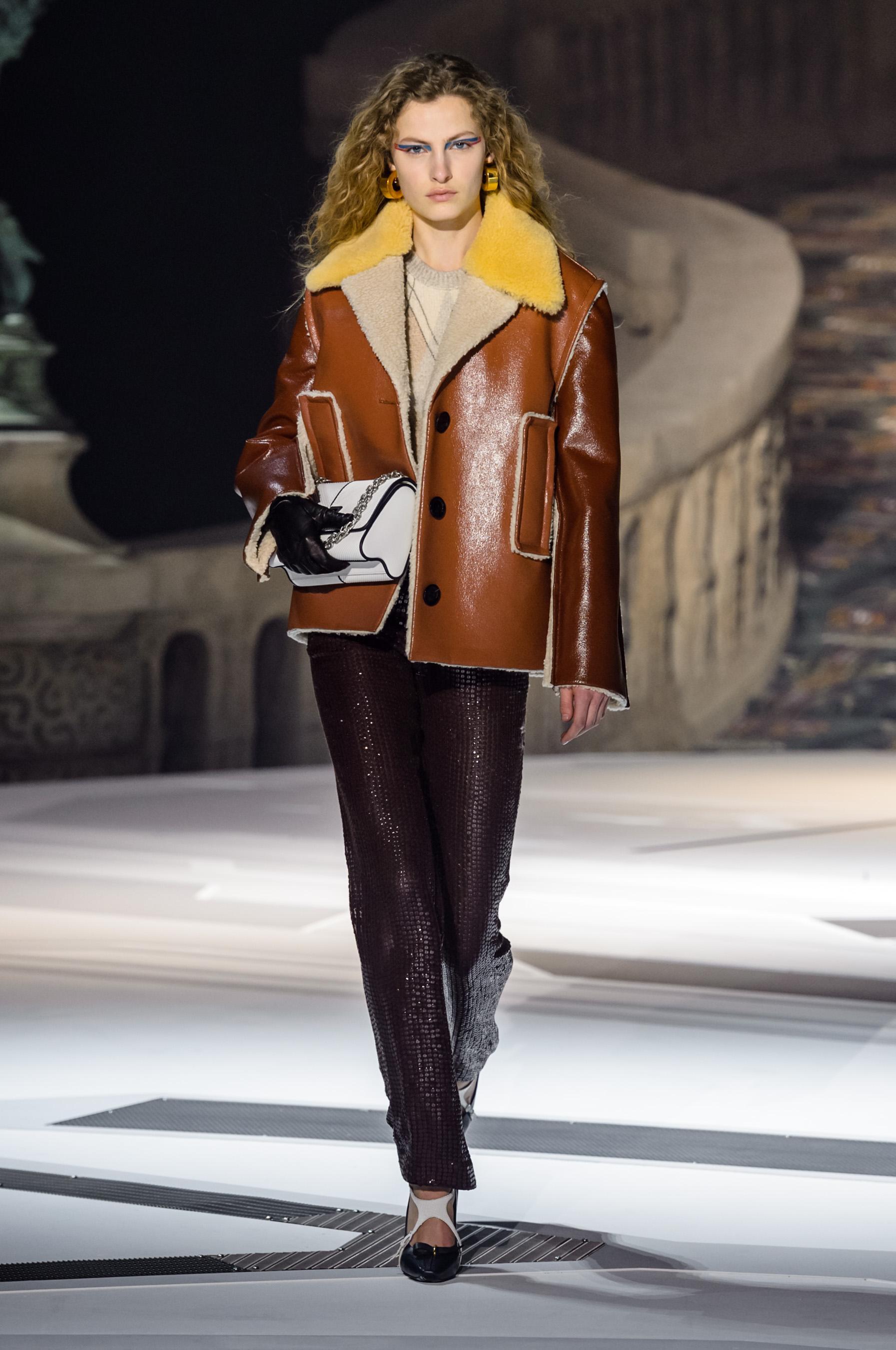 d3c14a6860f Défilé Louis Vuitton automne-hiver 2018-2019 Prêt-à-porter - Madame ...
