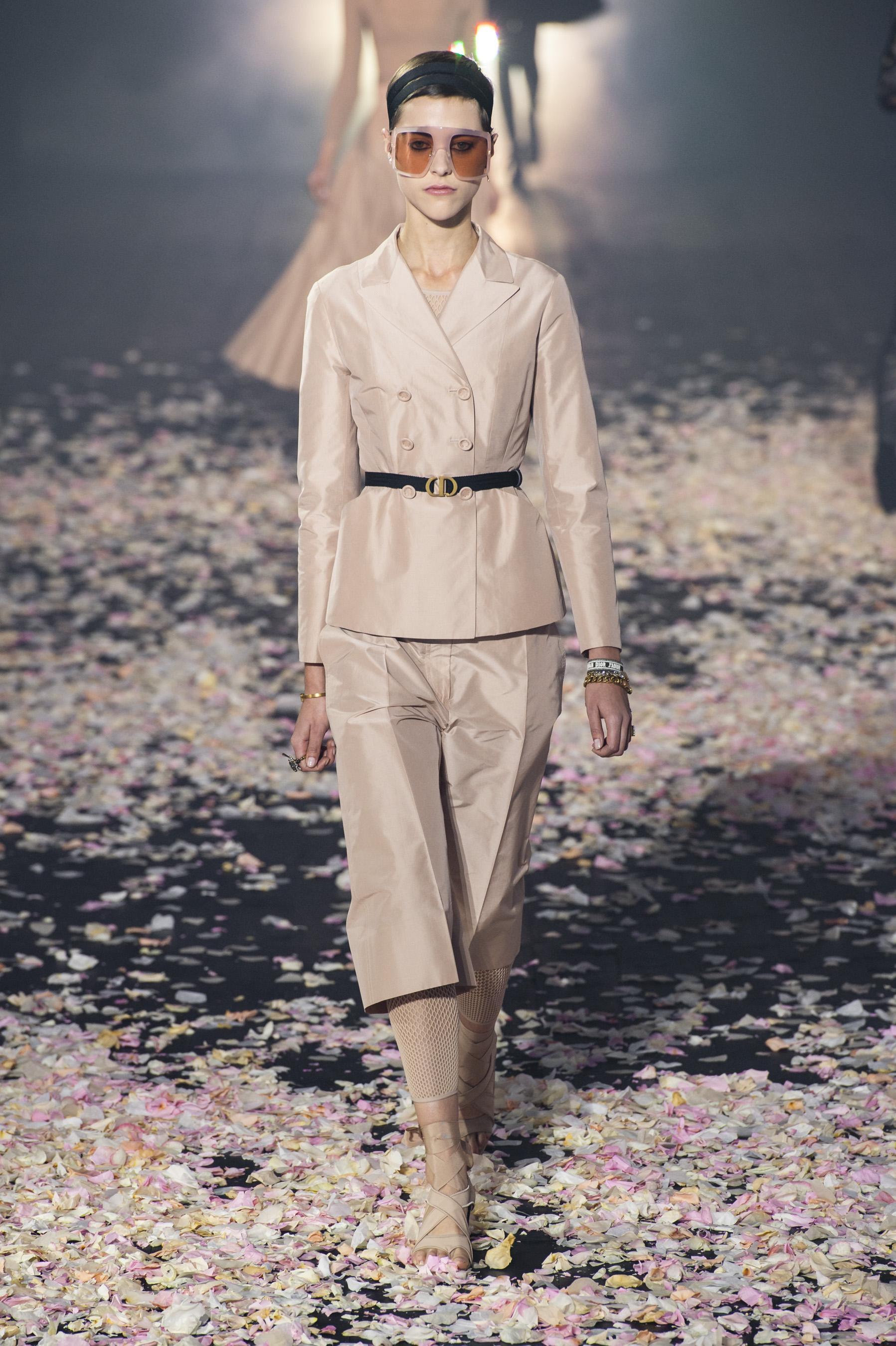 0d36d6e1e97 Défilé Christian Dior printemps-été 2019 Prêt-à-porter - Madame Figaro