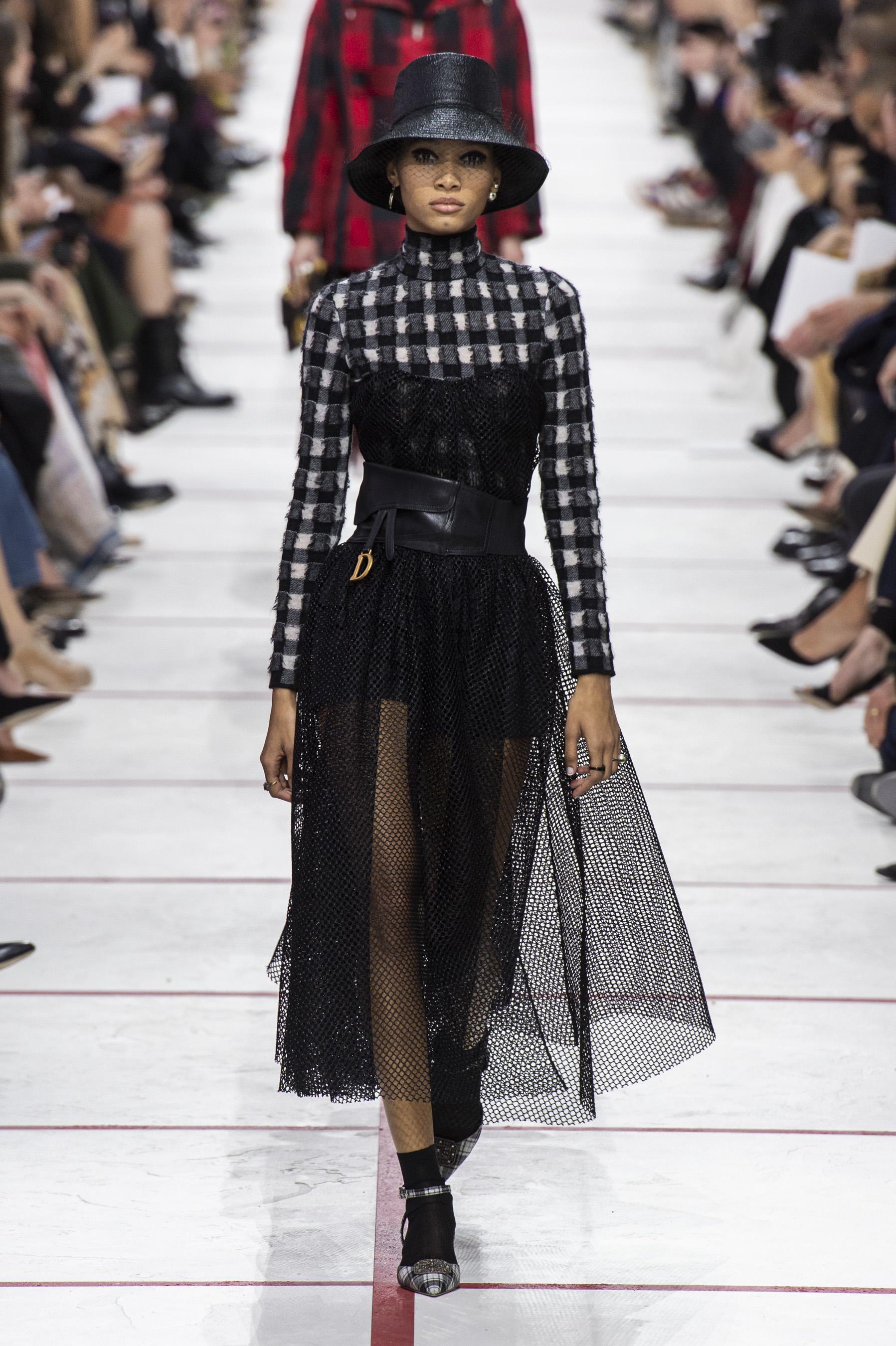 7e30a426 Défilé Christian Dior automne-hiver 2019-2020 Prêt-à-porter - Madame ...