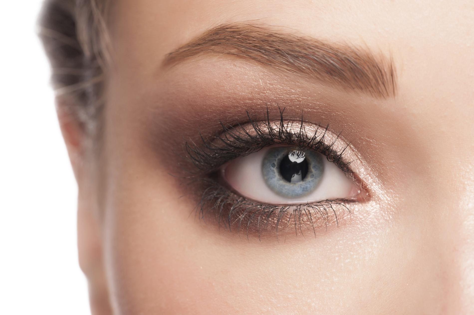 Les Questions A Se Poser Avant Un Maquillage Permanent Des Sourcils Madame Figaro