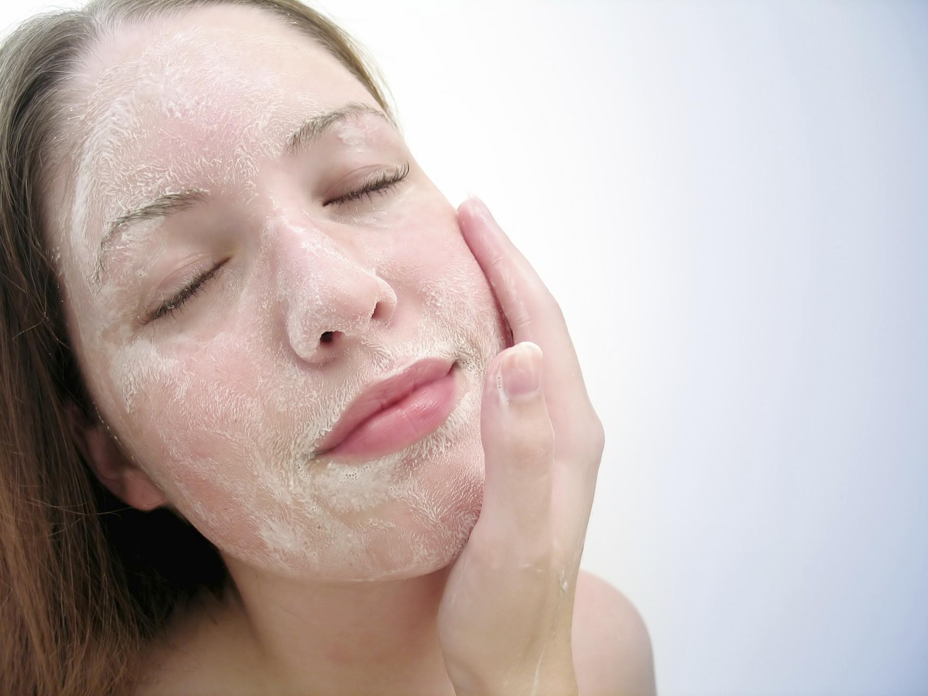 expédition gratuite couleur n brillante 50% de réduction Peau sensible : recette de gommage visage fait maison ...