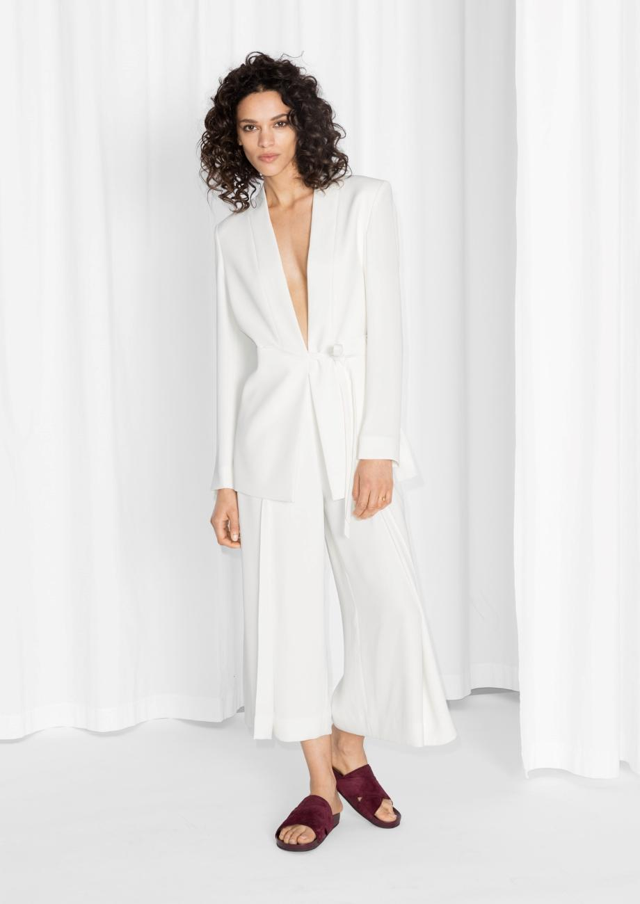 comment commander artisanat exquis détails pour Mariage : exit la robe de mariée, oui au pantalon - Madame ...
