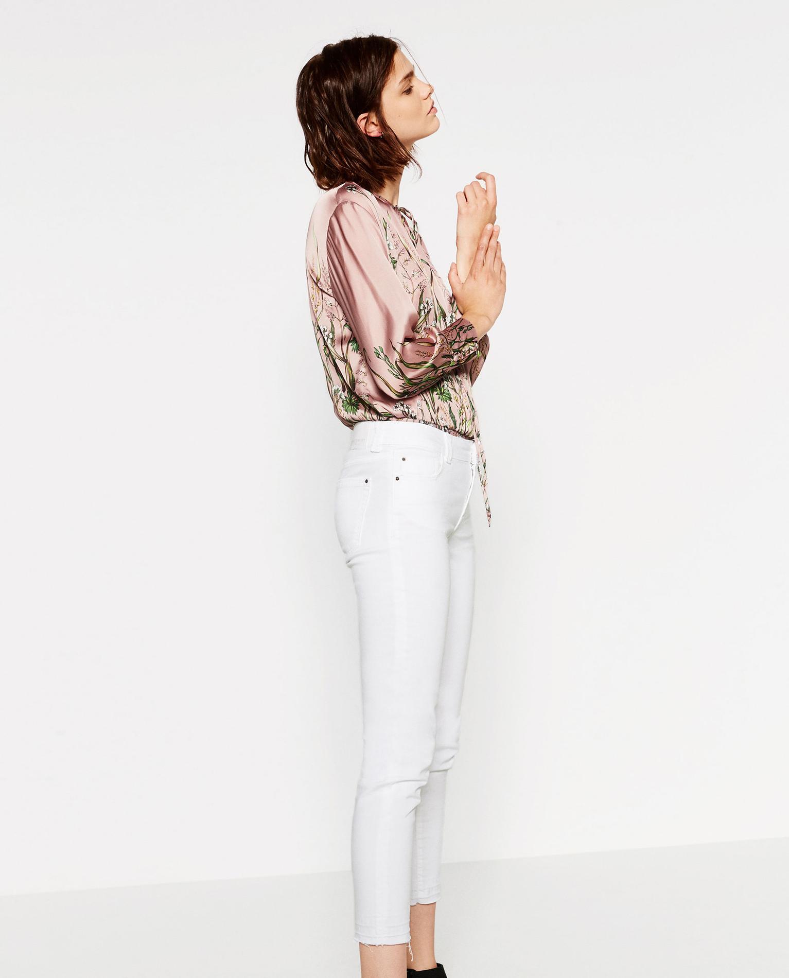 db5a7ac46b92c Michael Kors Comment porter le pantalon blanc ? Dr Denim Comment porter le pantalon  blanc ? AG Jeans Comment porter le pantalon blanc ?