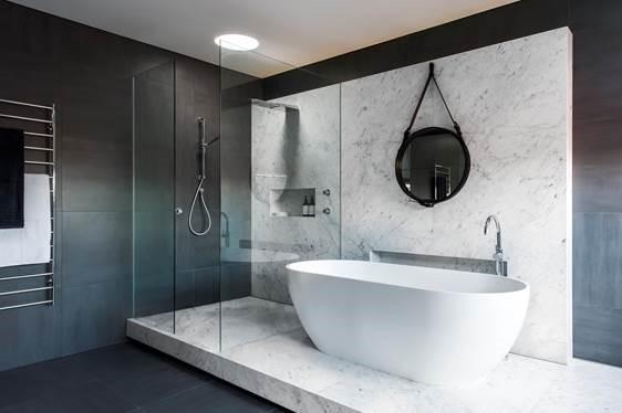 Luxe et bien-être dans une salle de bain parentale - Madame Figaro