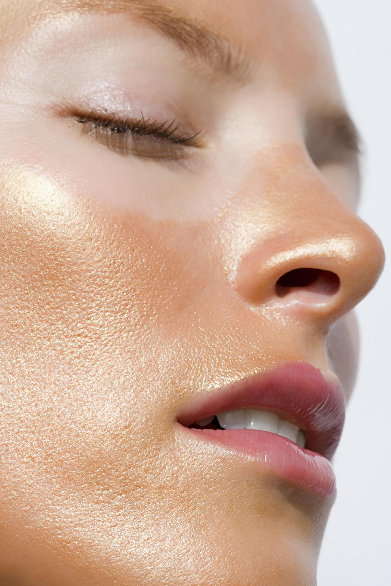 Comment apaiser rapidement un coup de soleil sur le visage - Comment calmer les coups de soleil ...