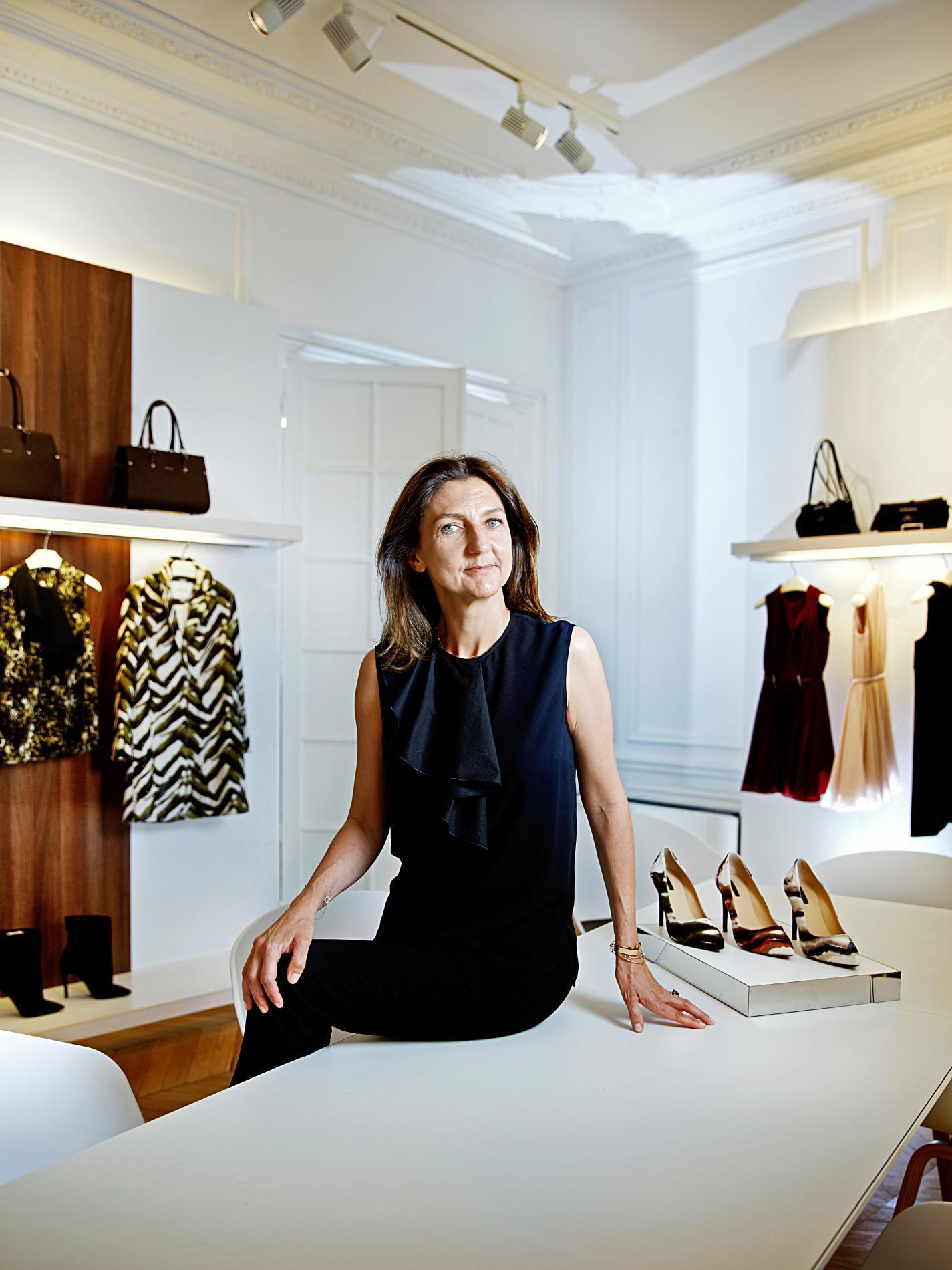 c71bf66ce6232 Sophie Delafontaine a commencé sa carrière comme vendeuse dans une boutique  Bonpoint.