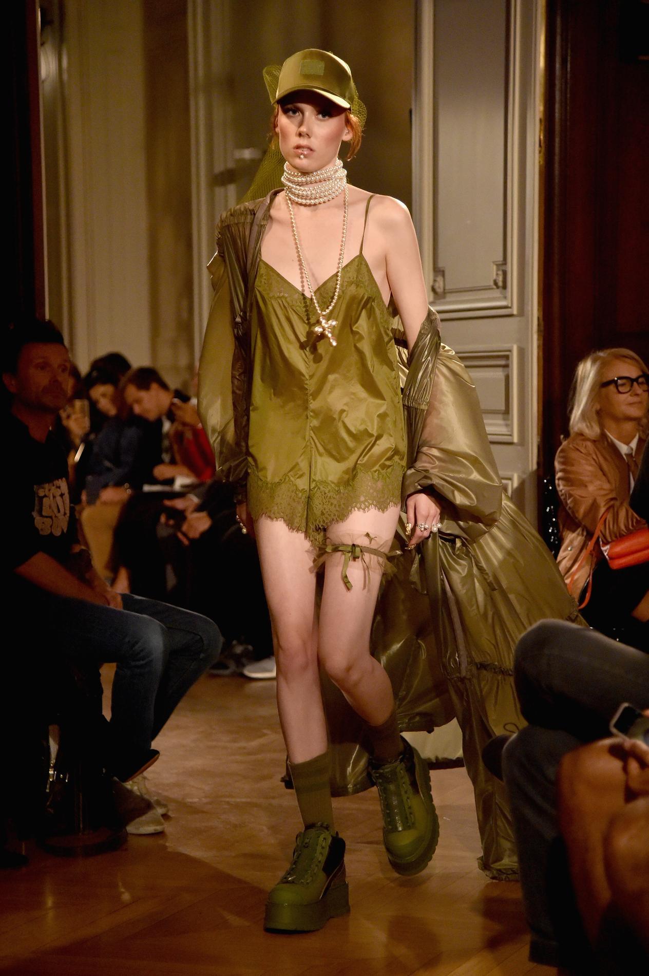 Rihanna Collection Madame Présente Sa Figaro Fenty Puma À Paris ynmOv0wN8