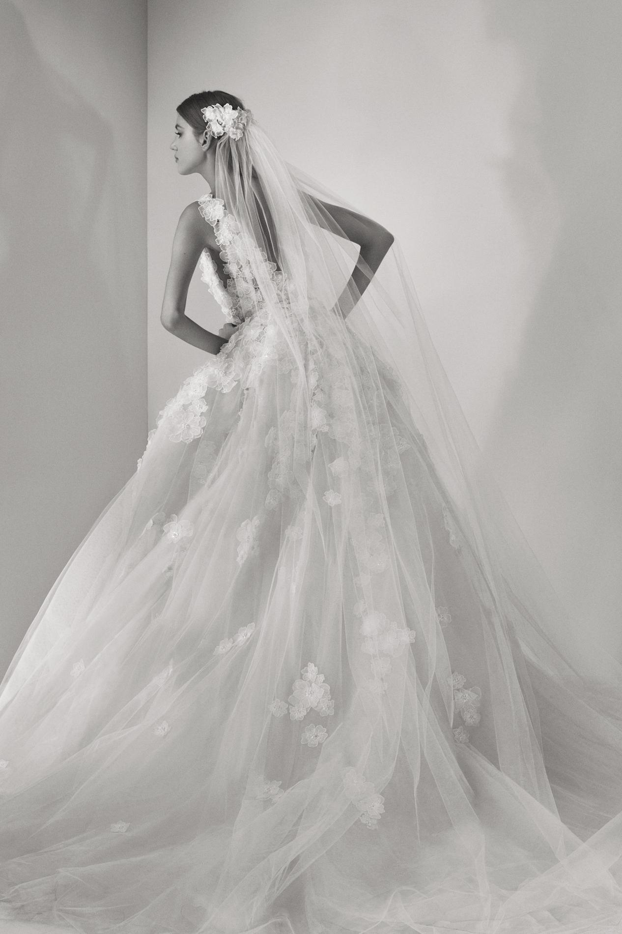 3a9258505a7 ... Elie Saab Bridal automne 2017 Elie Saab Bridal automne 2017 Les  collections de robes de mariée 2017   La robe Enamorada de Sessun Oui!
