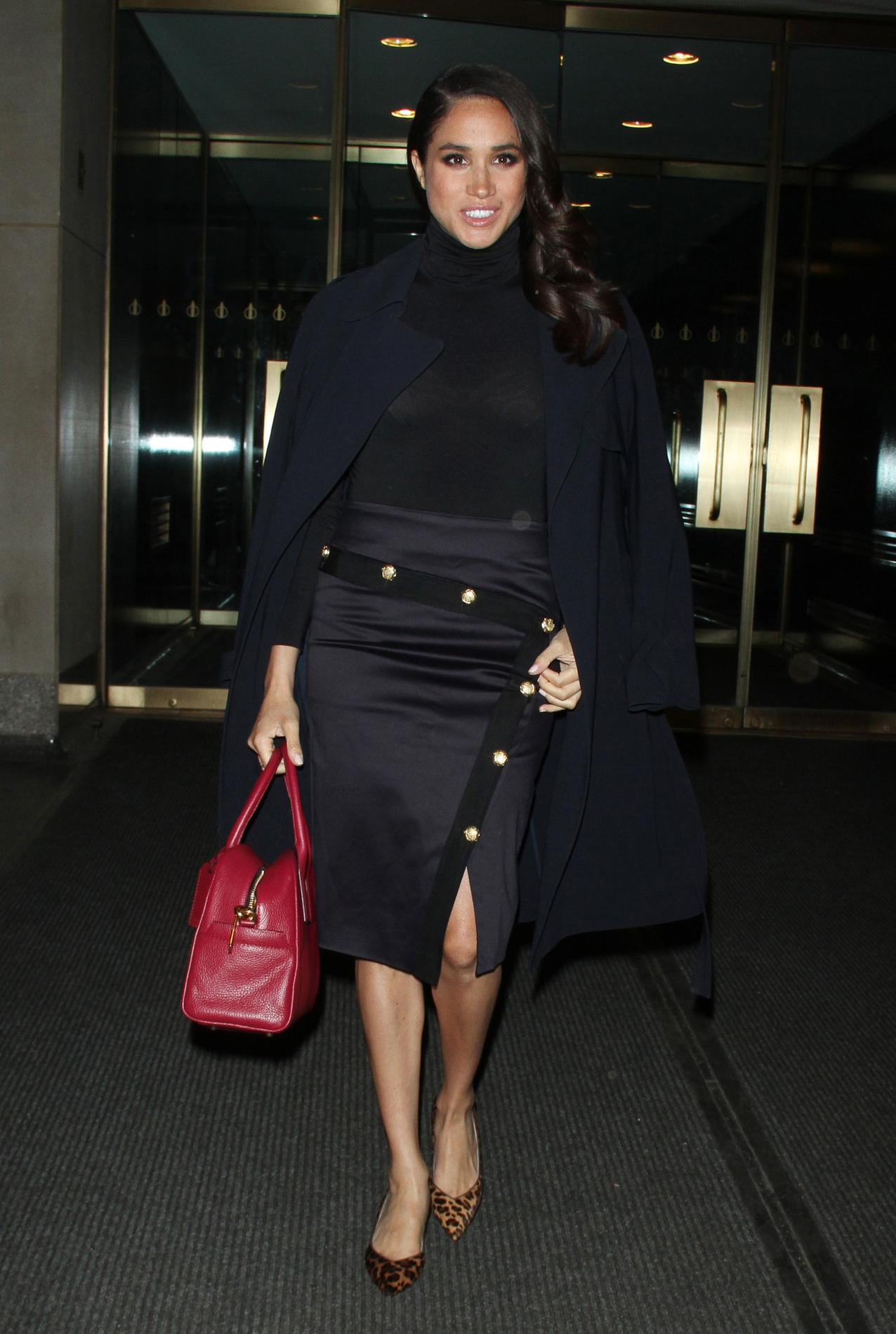 cf5d786b845 ... Meghan Markle   une Kate Middleton à l américaine - Atout cuir Meghan  Markle   une Kate Middleton à l américaine - Belle tapisserie Meghan Markle    une ...