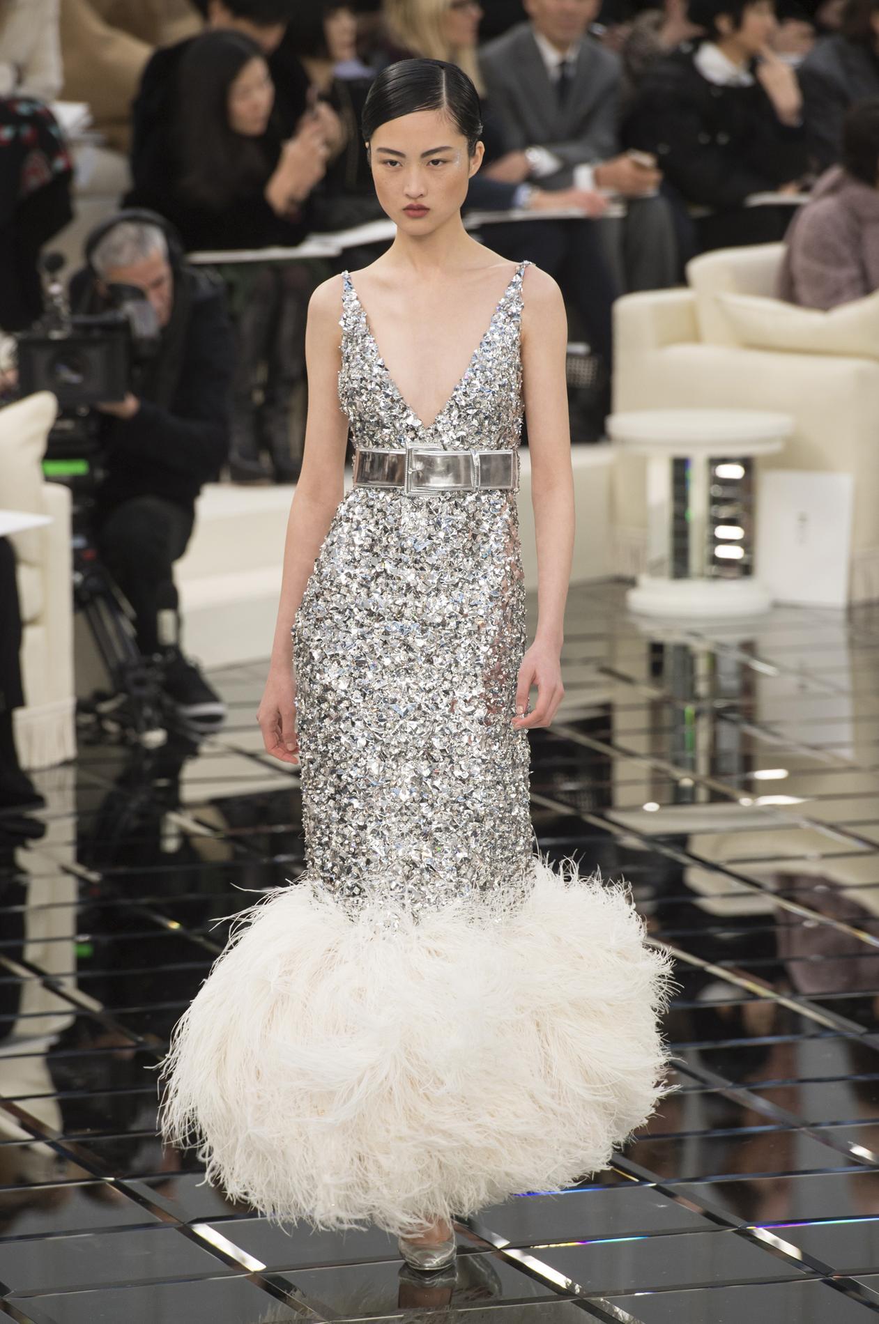 Chanel Dans Les Secrets De Fabrication D Une Robe Haute Couture Madame Figaro