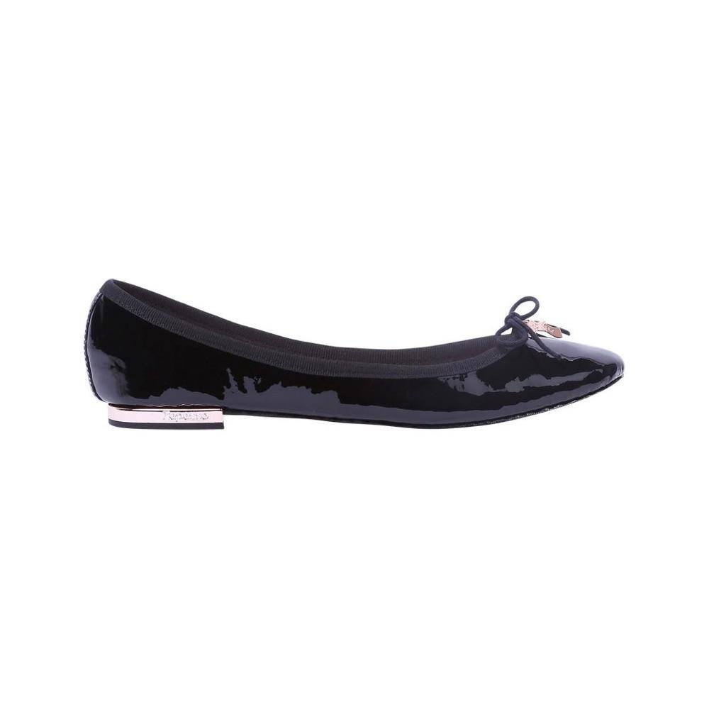 f9c2a5f4a36ce6 ... Des chaussures en soldes pour se rendre au bureau - Anonymous  Copenhagen Des chaussures en soldes pour se rendre au bureau - Claudie  Pierlot Des ...
