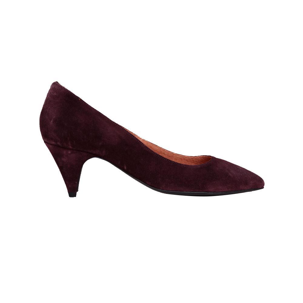 ee71f4651bbecc ... Des chaussures en soldes pour se rendre au bureau - Anonymous  Copenhagen ...