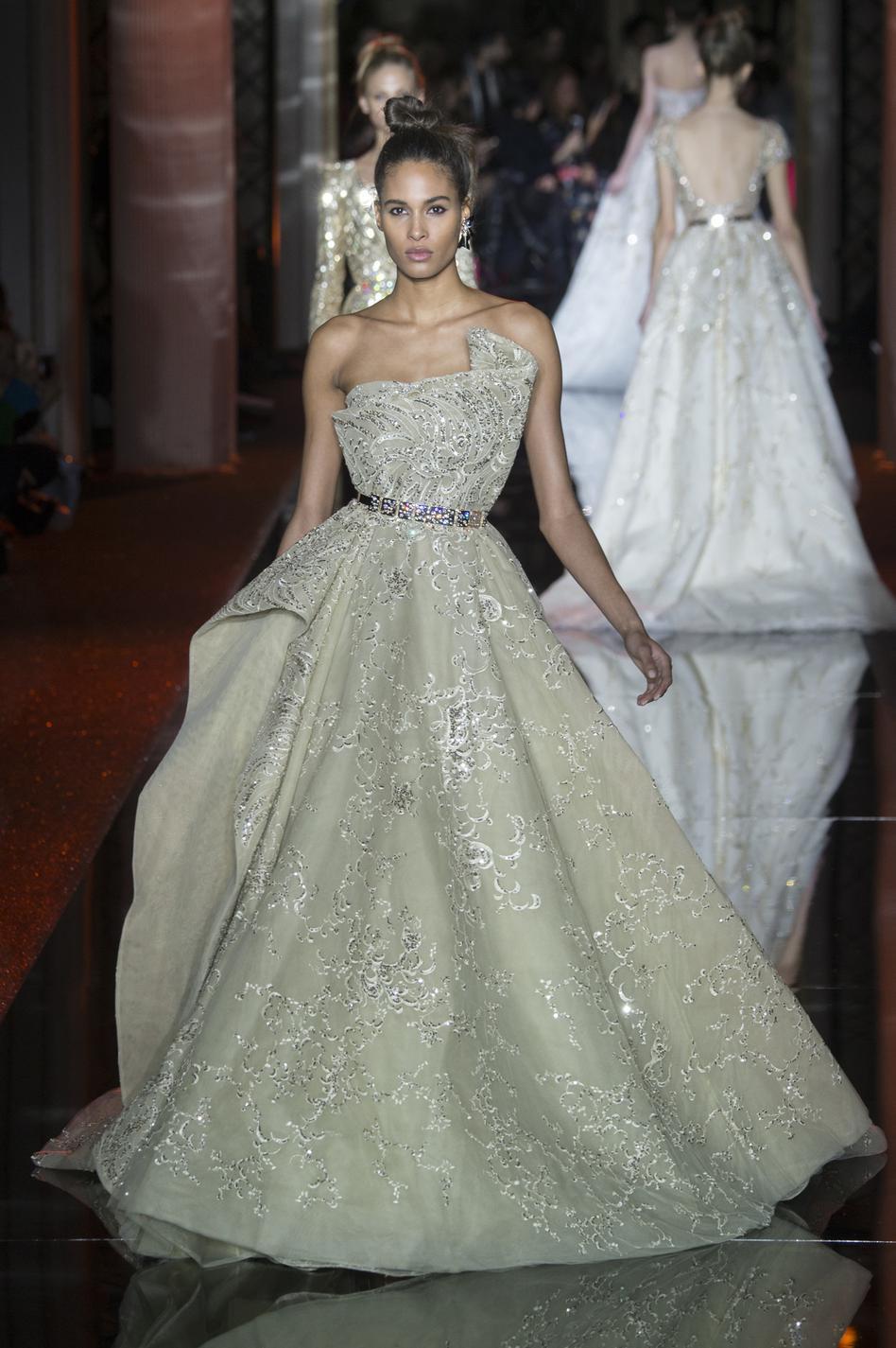 b690ae4e6b271f Chanel, Dior, Elie Saab... Les plus belles robes couture printemps ...