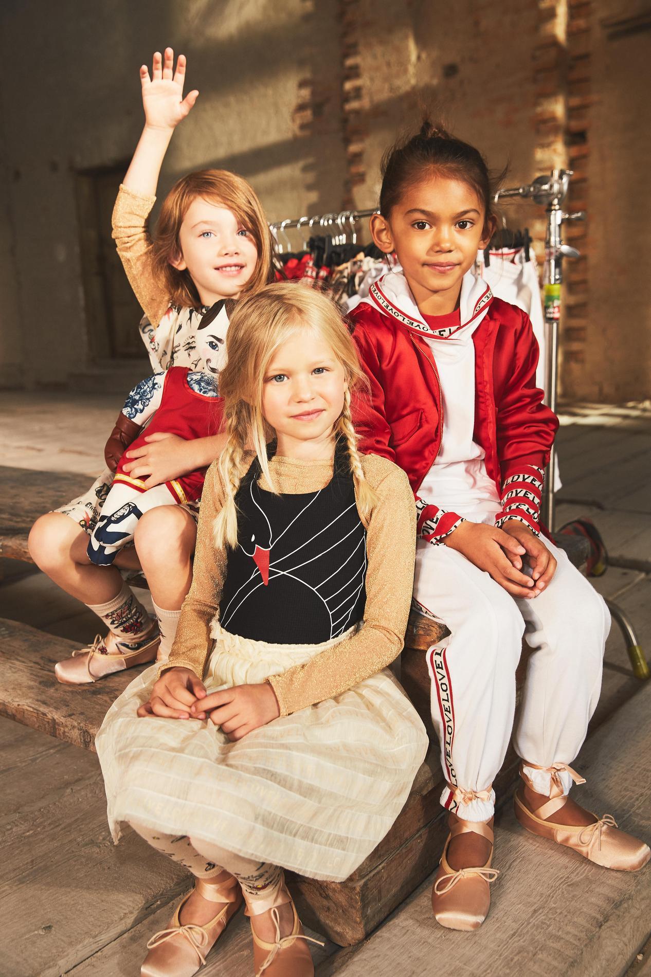 16845d889d10c ... H M Studio dévoile sa nouvelle collection enfant printemps-été 2017 -  Le groupe · Voir toutes les photos