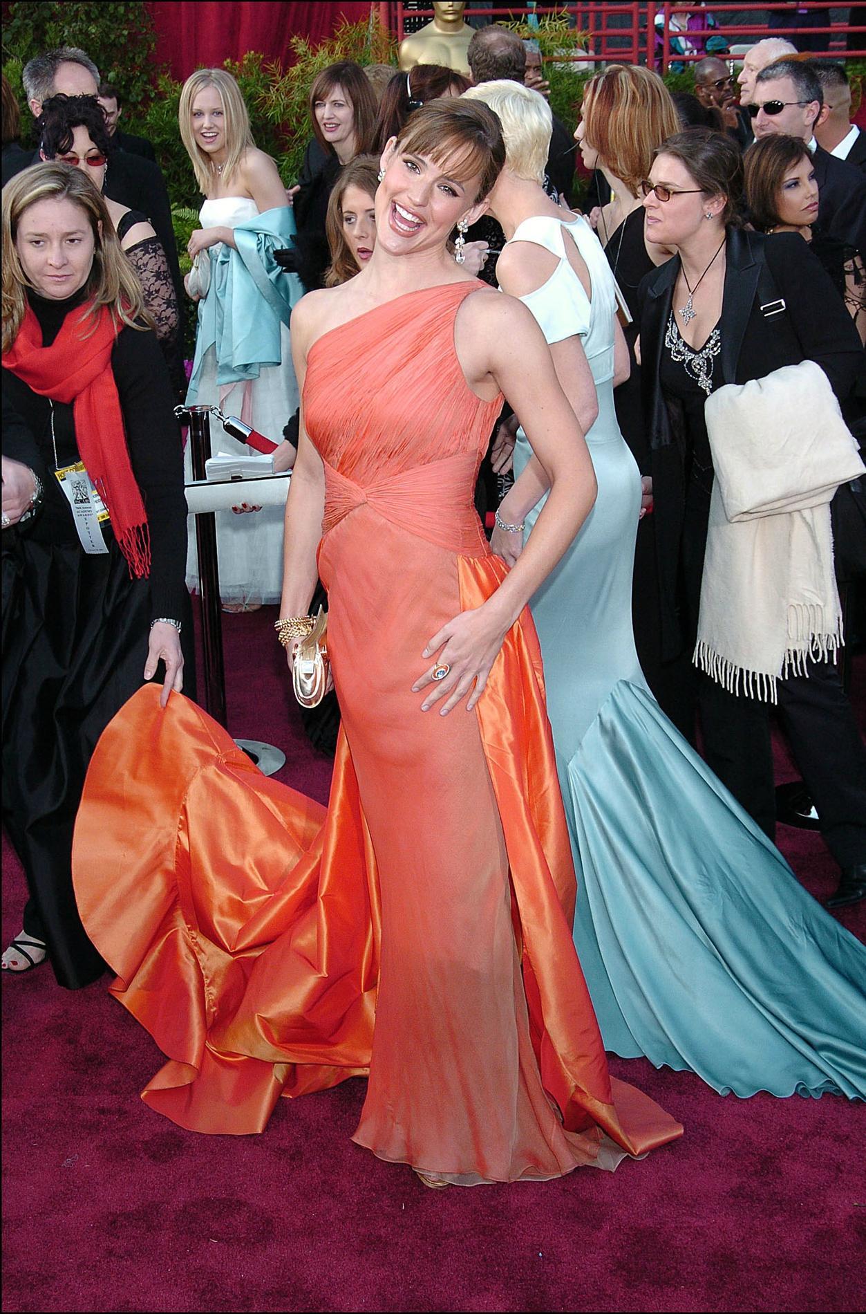 787d3bae1ce ... Les pires robes des Oscars à travers l histoire - Jennifer Garner ...