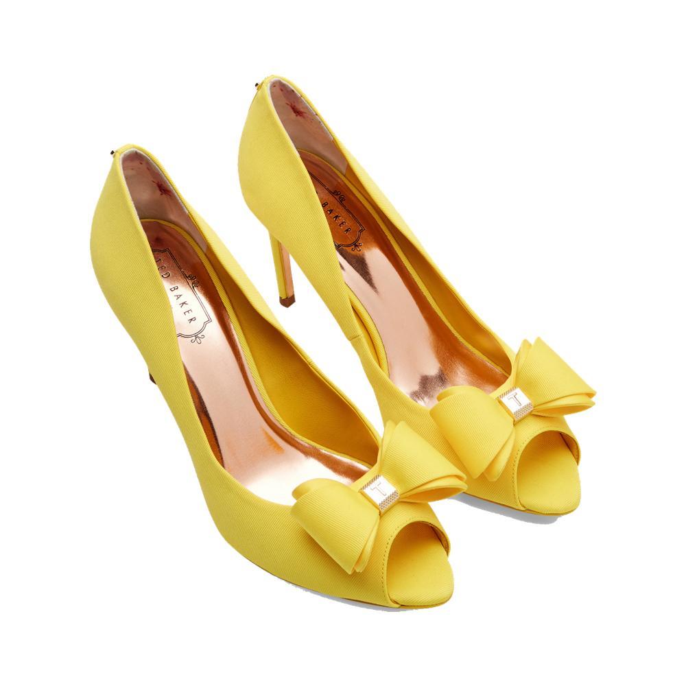 5fa2fa6f41c767 ... Des chaussures colorées pour égayer la tenue de la mariée - Sarenza Des  chaussures colorées pour égayer la tenue de la mariée - Jimmy Choo Des ...