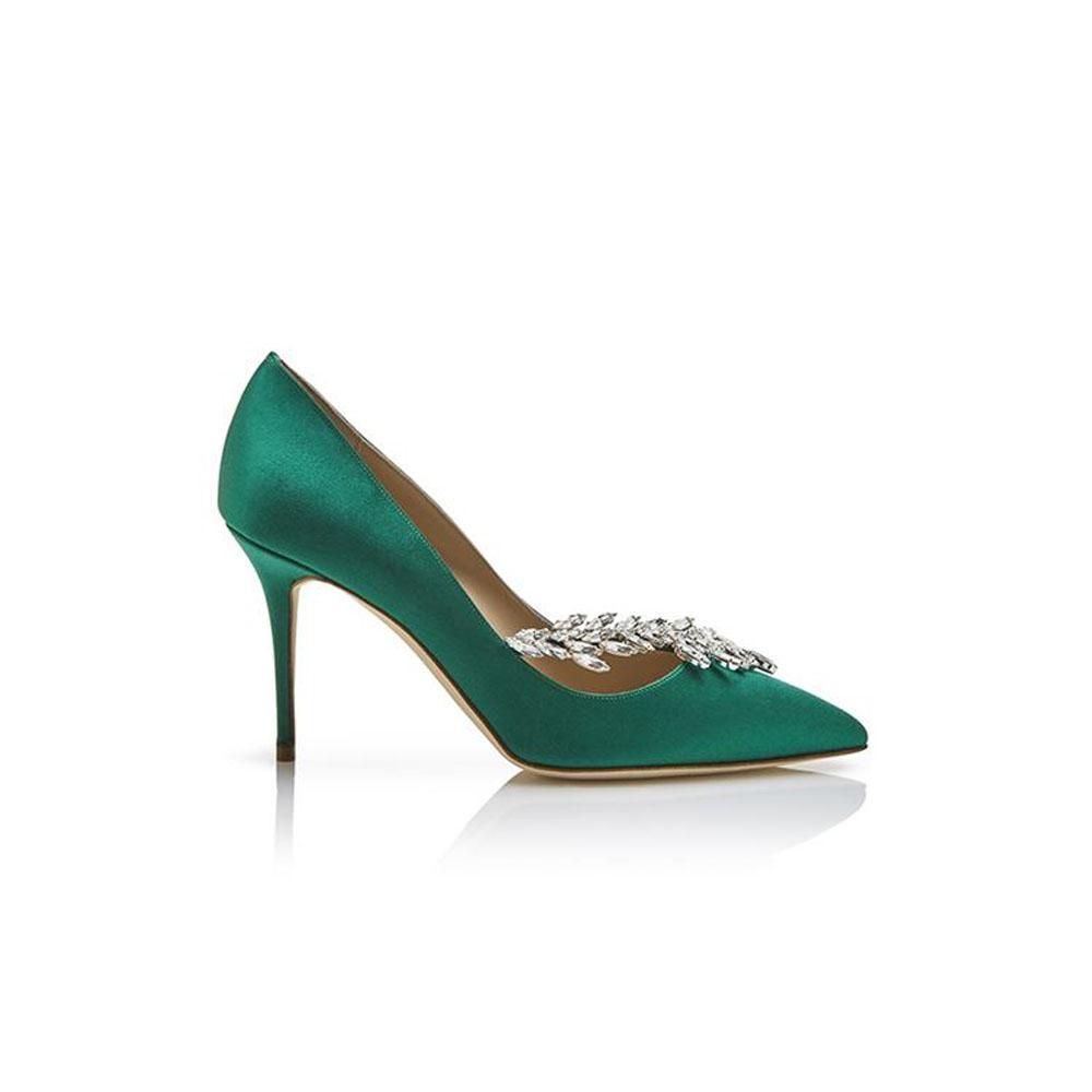 fb994610051086 ... Des chaussures colorées pour égayer la tenue de la mariée - Manolo  Blahnik ...