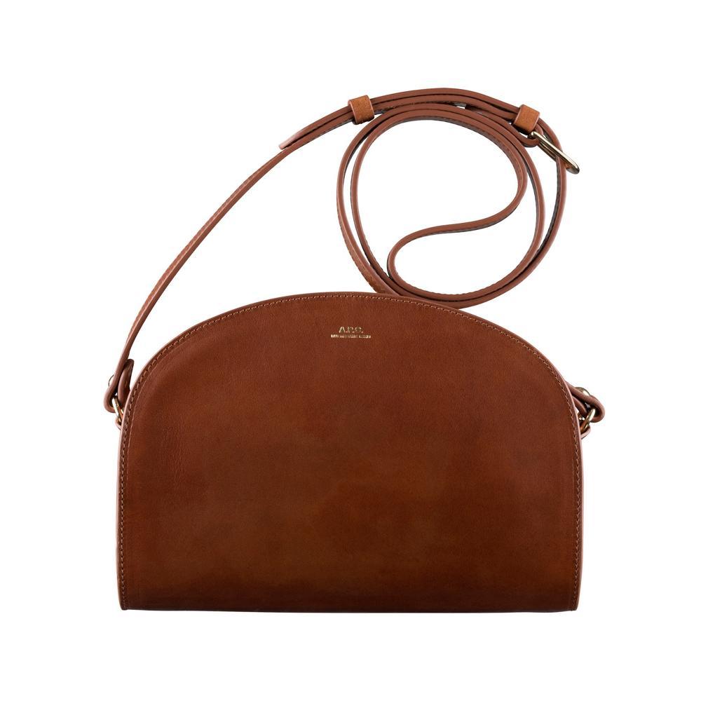 3039b3a97f Portrait-type du sac à main indispensable - Madame Figaro