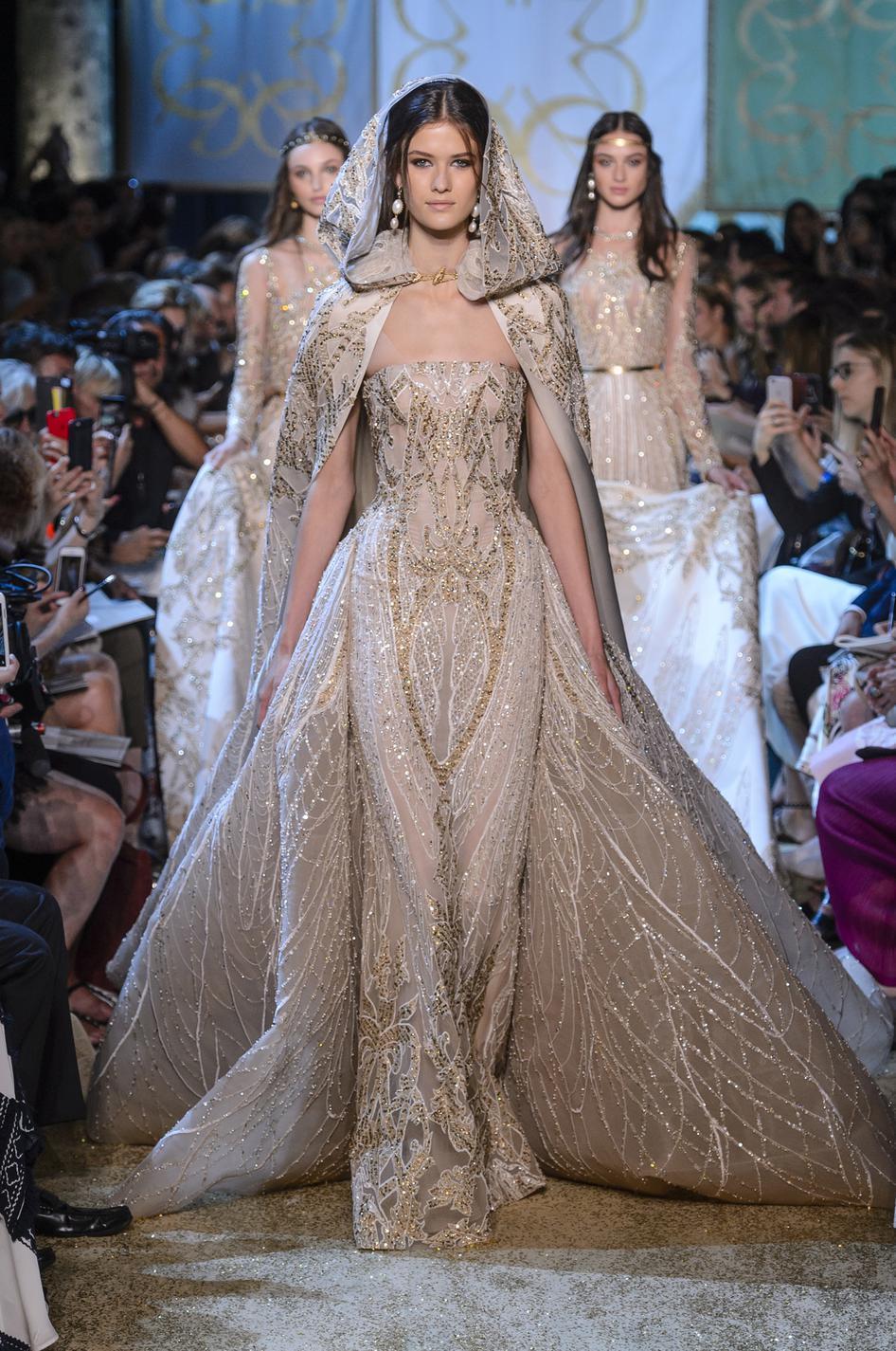 9818447a688 ... Haute couture 2018   les plus belles robes de mariée - Elie Saab ...