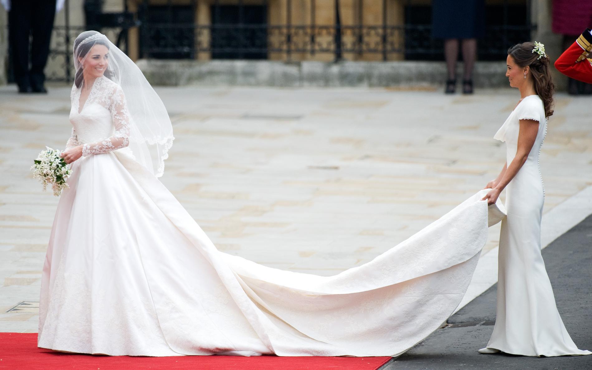 Sur De Ignoriez Encore Kate Mariée Robe Détails La Que Vous Huit Ifyv76gYb