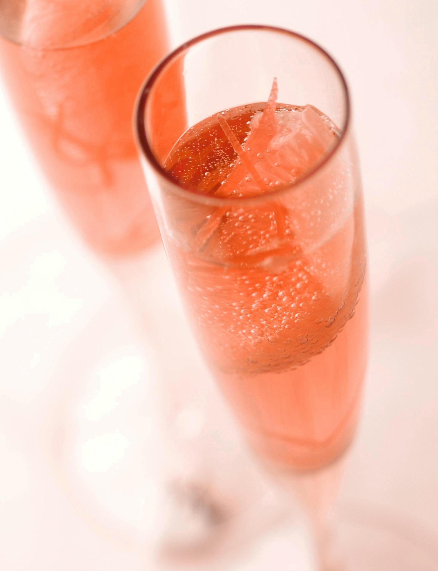 Recette cocktail au champagne ros et pamplemousse cuisine madame figaro - Cuisine au champagne ...