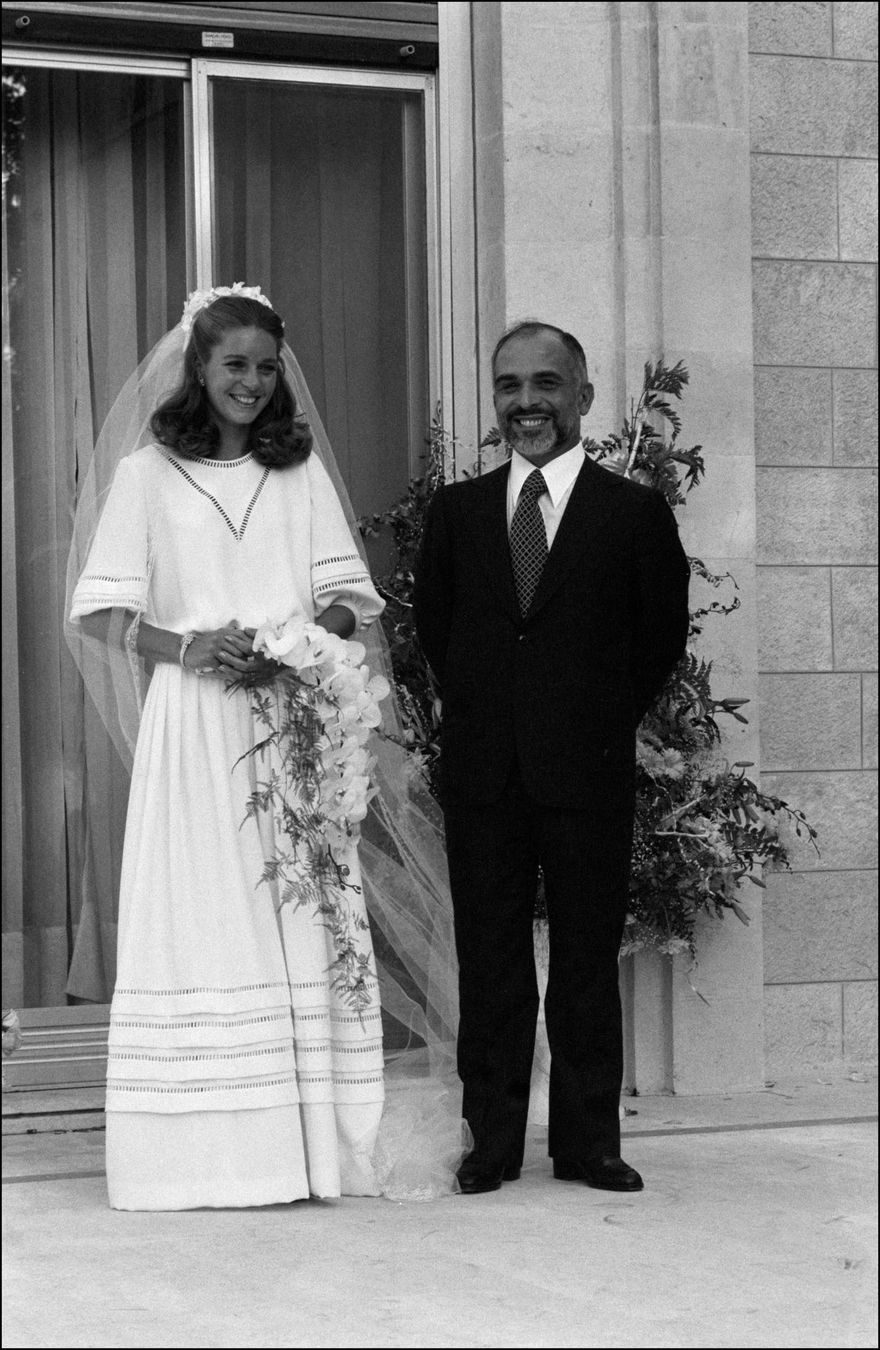La Creatrice De La Robe De Mariee De Lady Diana Lance Une