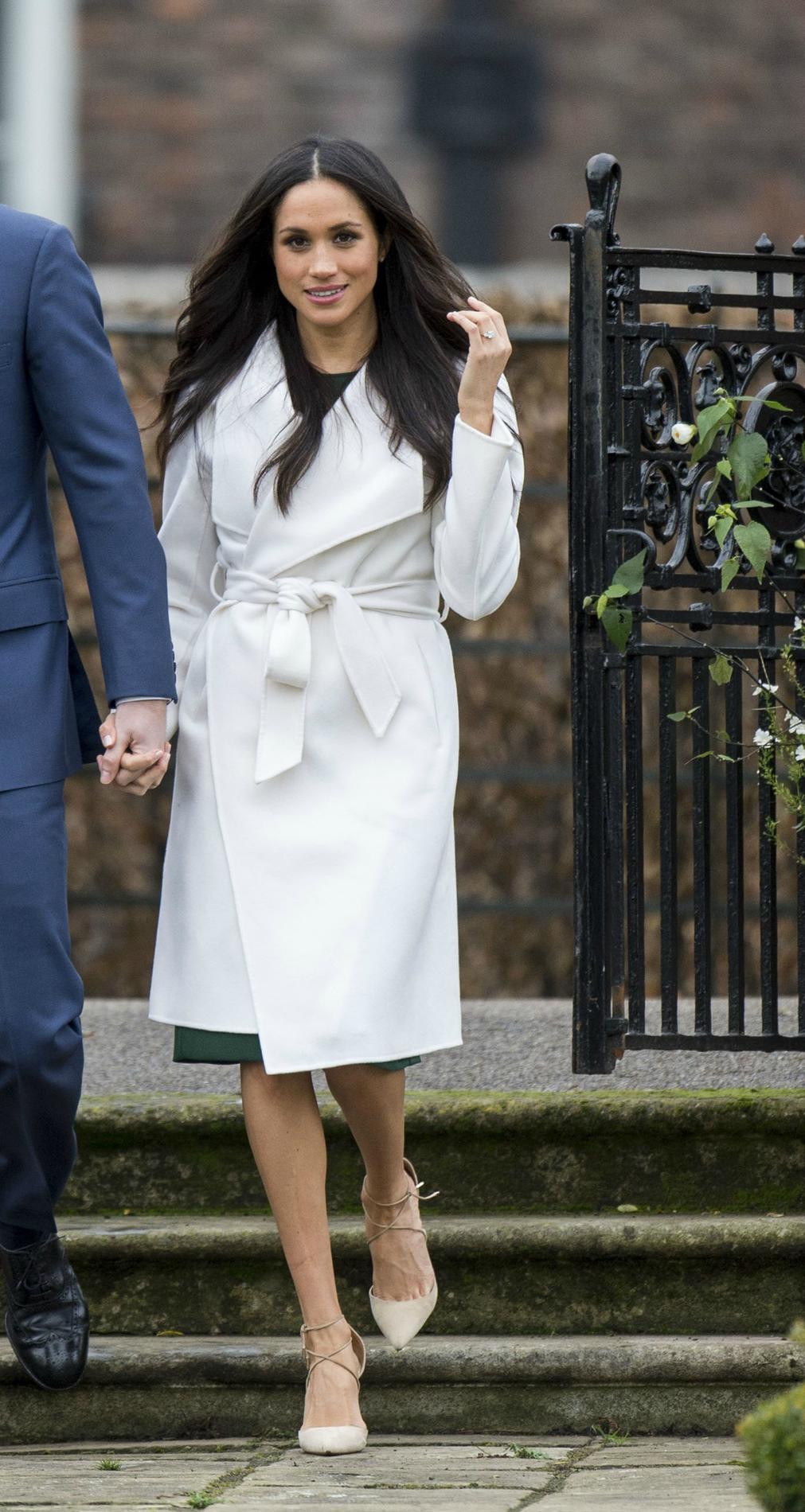 f2bda359cb3 ... Markle   une Kate Middleton à l américaine - Tapis rouge Meghan Markle    une Kate Middleton à l américaine - La star Meghan Markle   une Kate  Middleton ...
