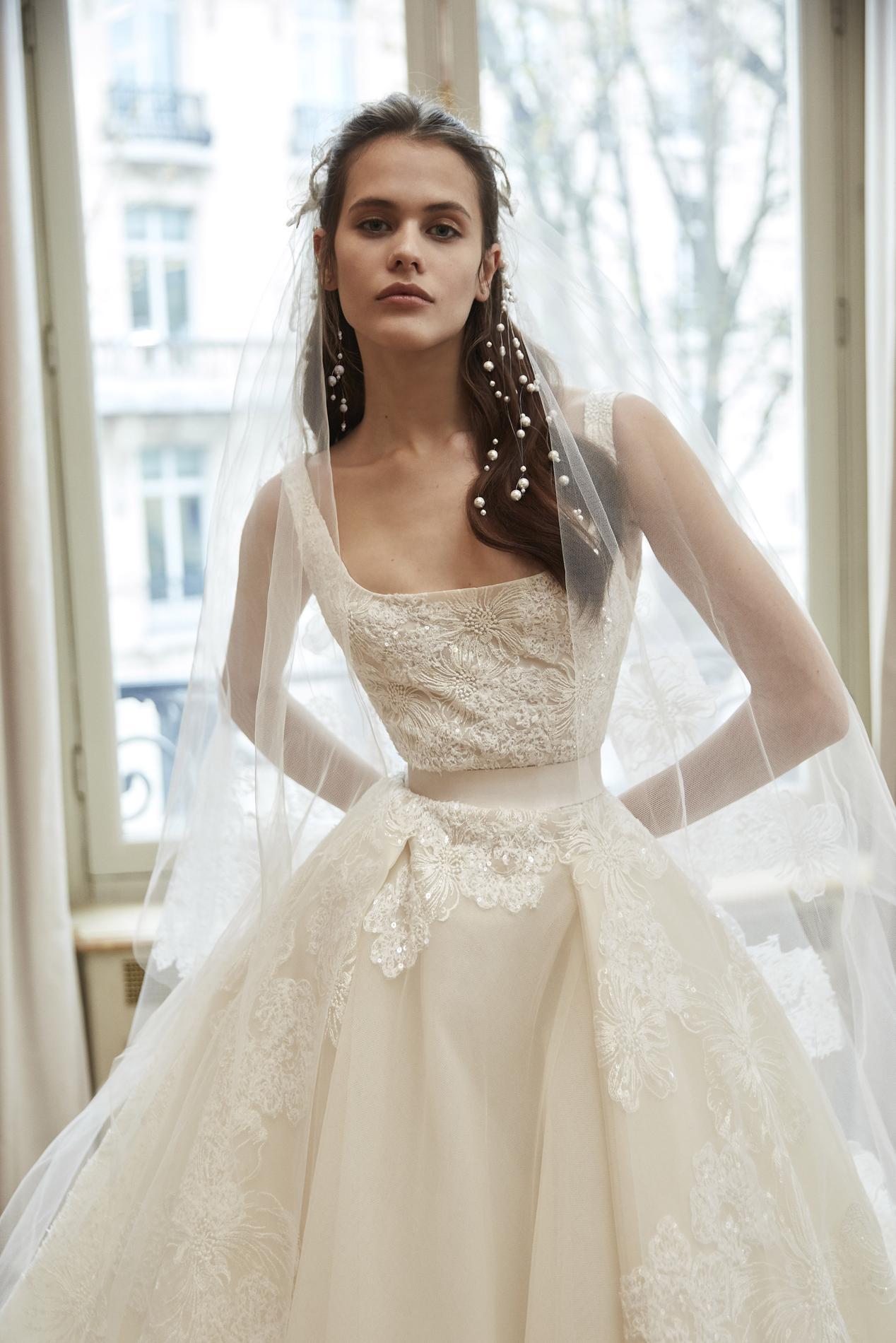 931ed2b99e Les robes de mariée signées Elie Saab 2019 nous invitent à un bal à ...