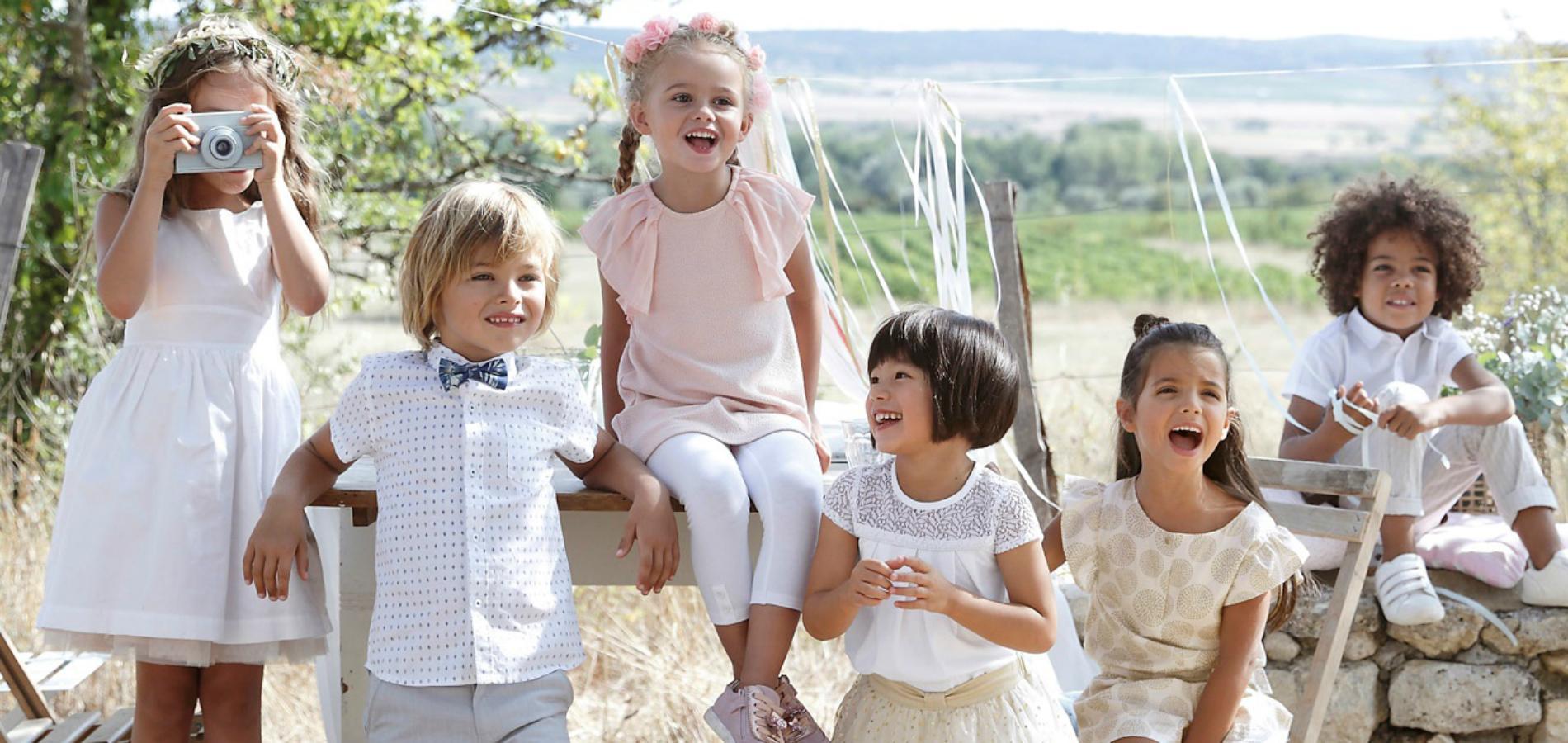 bf3ab51c08848 La saison des mariages 2018 arrive à grands pas. Il est alors temps de  trouver des vêtements de cérémonie pour nos enfants.