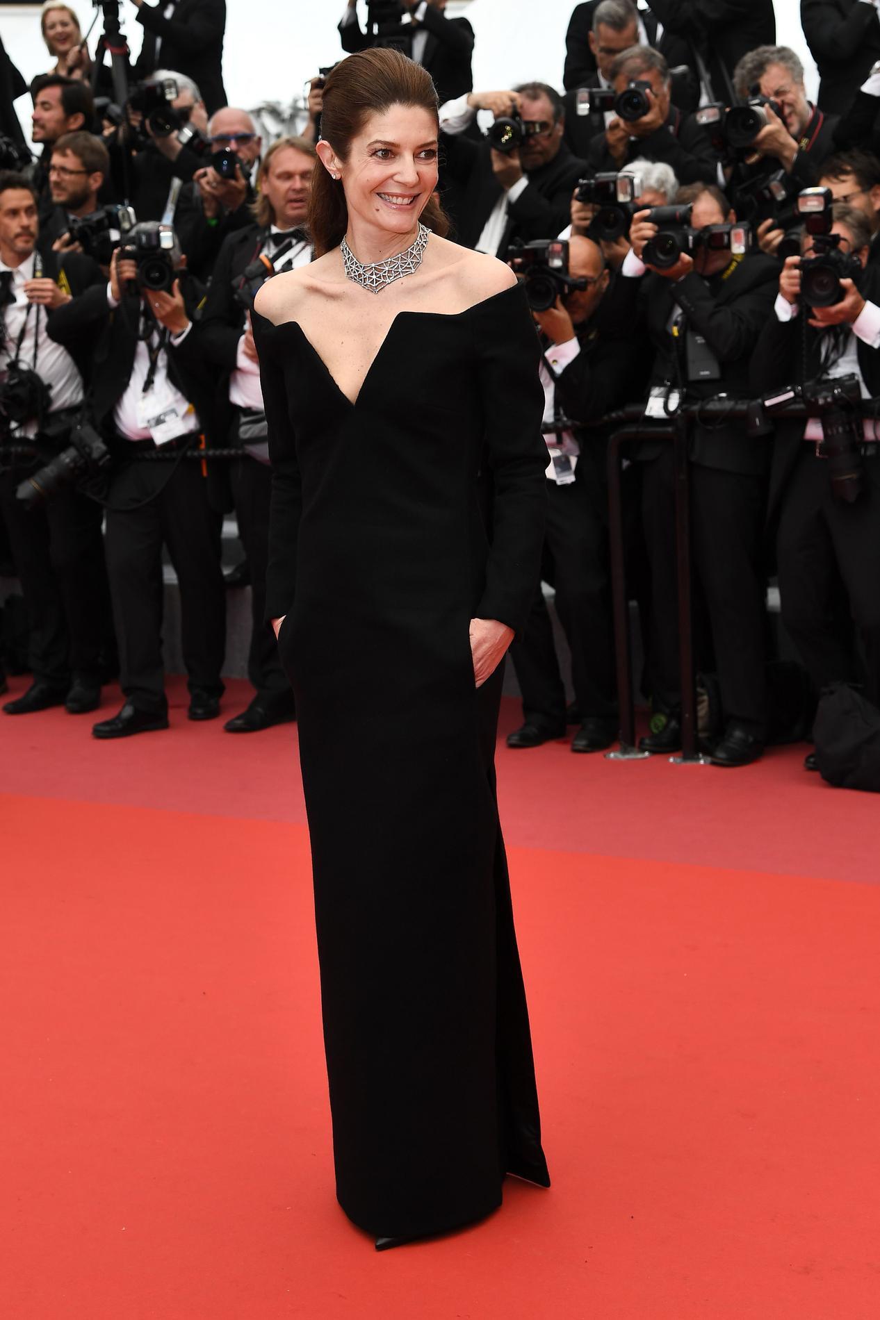 Madame Cannes BlancLe Mode Match Du Noir Versus Festival 2018 De N8vmnw0