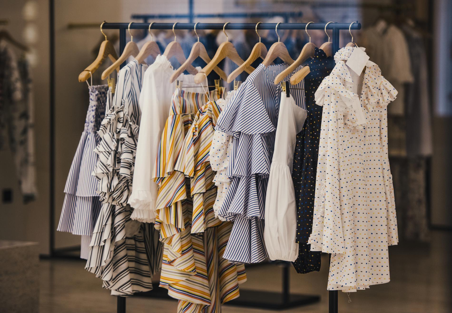 326719bdfa8 Votre invitation pour une soirée shopping avec Dress in the City ...